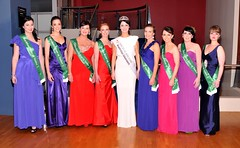 The 2012 Roses contestants with the 2011 NZ Rose