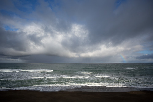 ocean beach rain weather squall rainbow day waves pacific 777 34481squallrainbow