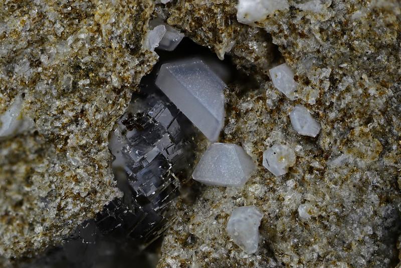クリストバル石 / Cristobalite