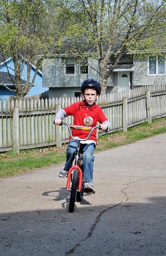 riding bikes 003_crop