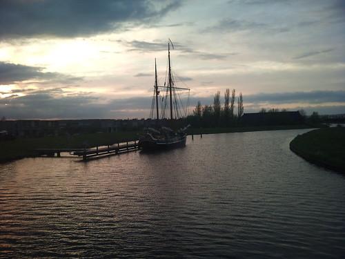 Und ein Schiff mit acht Segeln by XPeria2Day