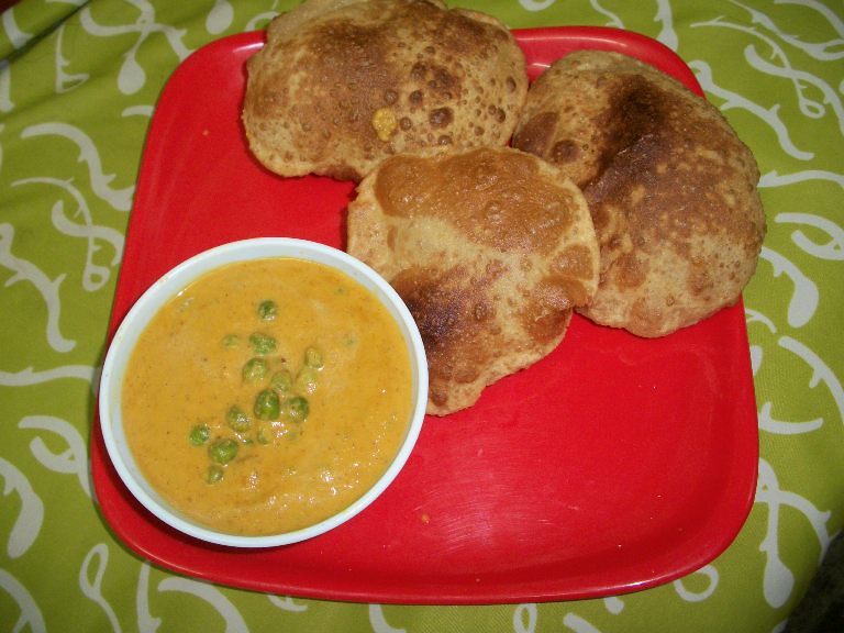 பட்டாணி குருமா / Peas Korma(Kurma) / Peas cooked in a Spicy Cashew Sauce – Curry in a Hurry