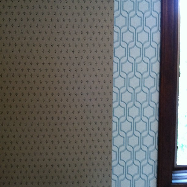 Wallpaper in my new sewing room ...  It's going to be a lot better!