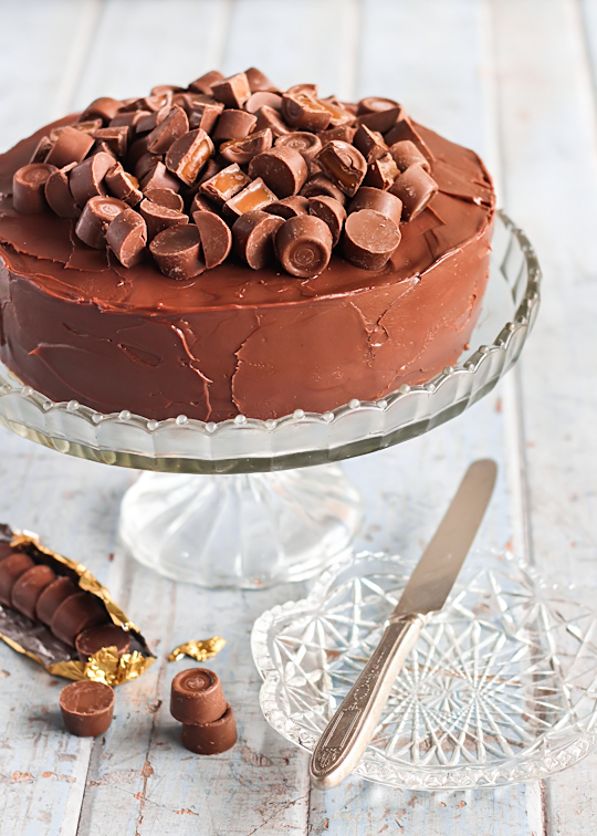 Rolo Chocolate Brownie Cake