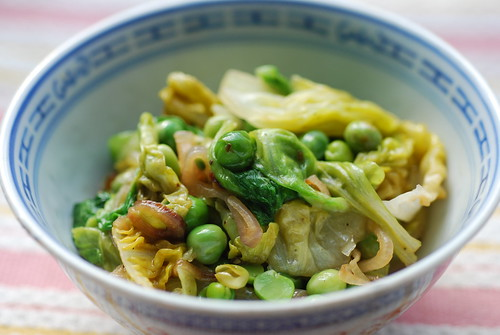 Braised peas and lettuce