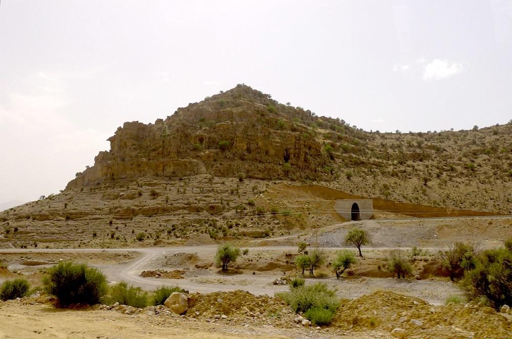 yazd-shiraz-L1030112