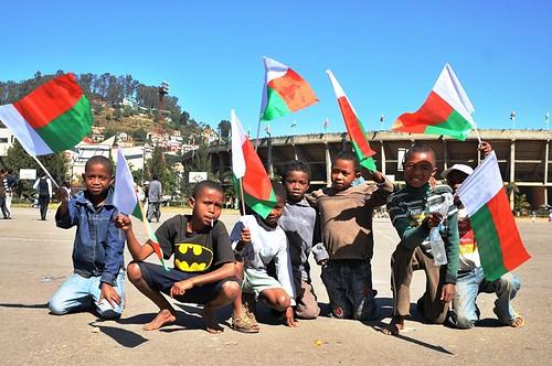 Fiers du drapeau malgache 2