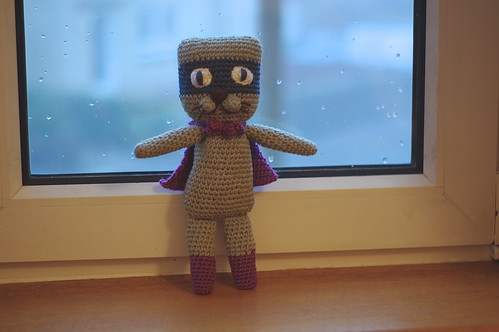 amigurumi #66 L Super-cat front