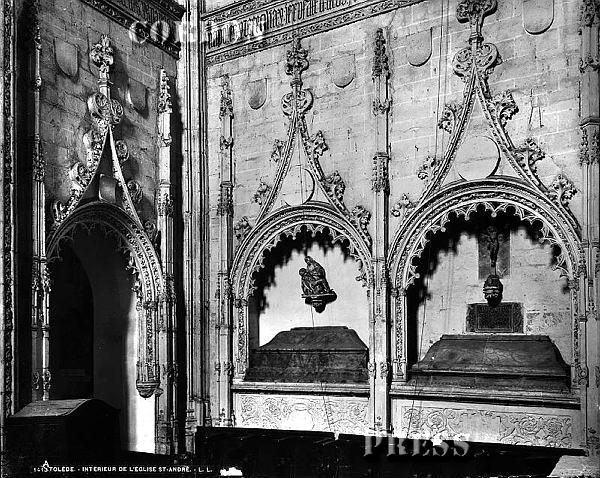 Sepulcros de la familia Rojas en la Iglesia de San Andrés de Toledo hacia 1875-80. © Léon et Lévy / Cordon Press - Roger-Viollet