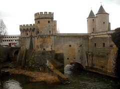 castle, building, monastery, historic site, middle ages, water castle, medieval architecture, fortification, waterway, moat,
