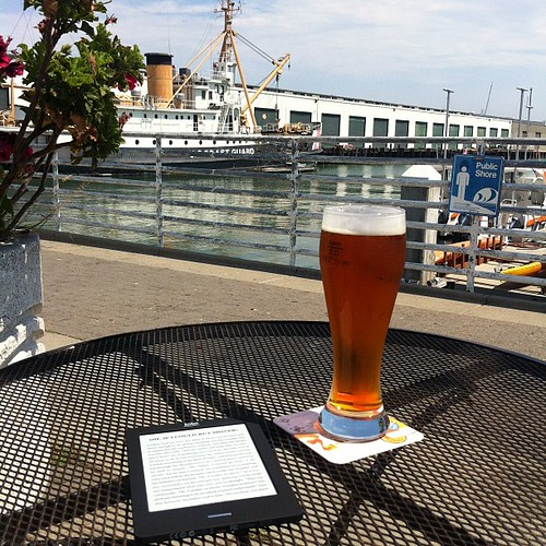 Just sitting by the Bay in the sun, having a beer and reading old German fairy tales on my ereader. #asonedoes