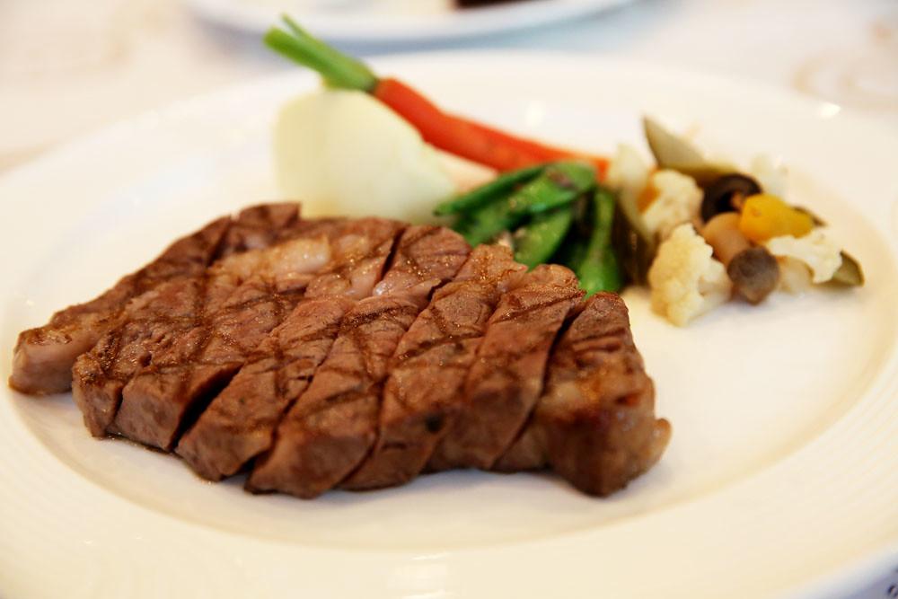 台中永豐棧風尚西餐廳- 乾式熟成牛排和沙拉吧@ 藍色起士的 ...