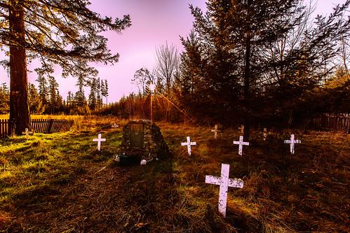 sunset gravemarkers piercecounty mountainguide indianhenry shakerchurchindiancemetary mashelprairie