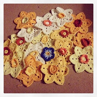 16 daffodils for my #daffodilboy and now for the forget me nots. #crochet