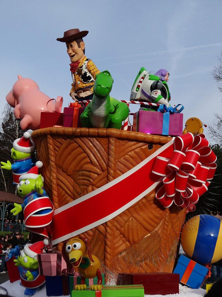 Un séjour pour la Noël à Disneyland et au Royaume d'Arendelle.... - Page 3 13669281263_a61f6011fb_b