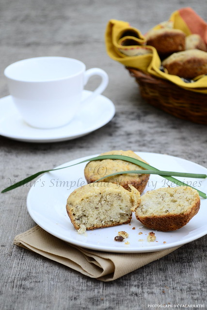 Banana & Walnut Muffins
