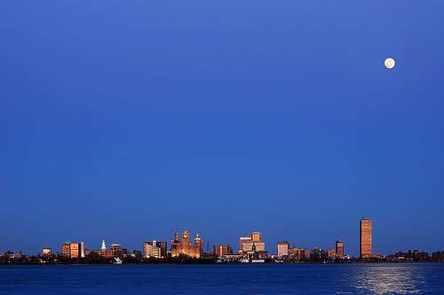 Buffalo Skyline under Full Moon (DSH_1119-20)