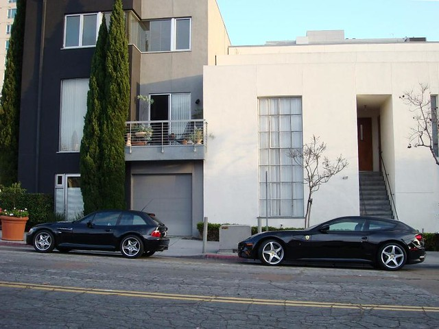 M Coupe vs Ferrari FF | 2001 M Coupe | Black Sapphire | Black