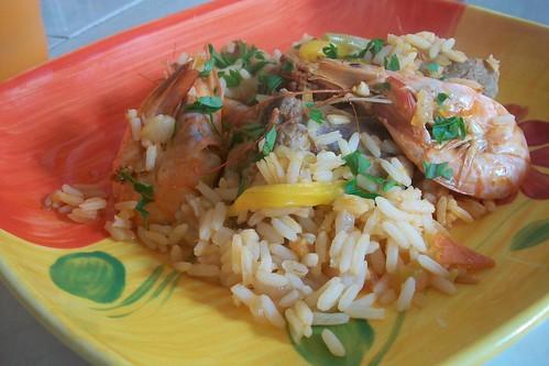 Cazuela de arroz mar, tierra y aire.
