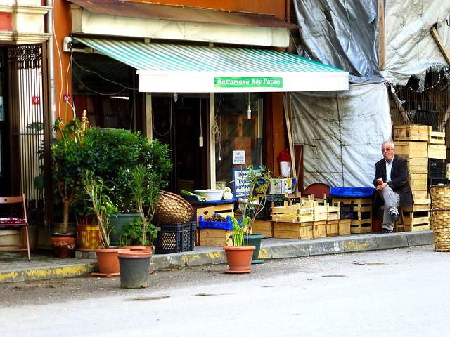 Istanbul - avril 2012 - jour 6 - 059 - Üsküdar - Kuzguncuk - İcadiye Caddesi