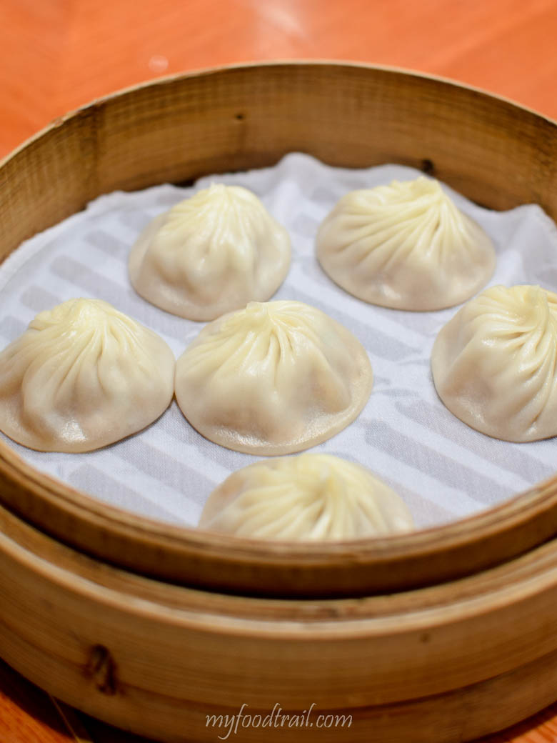 Din Tai Fung, Hong Kong - Steamed pork dumpling (xiao long bao)