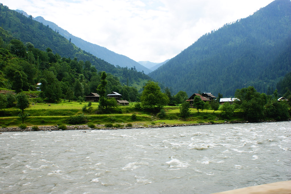 """MJC Summer 2012 Excursion to Neelum Valley with the great """"LIBRA"""" and Co - 7642326818 a926325f5d b"""