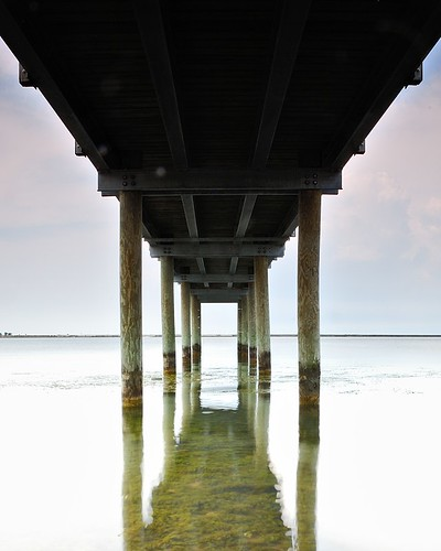 Under the Gallagher Pier at Gallagher Beach, Outer Harbor, Buffalo, NY (DSH_4281)