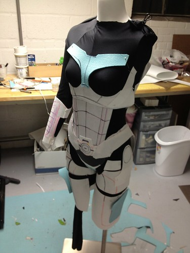 Femshep n7 armor valkyrie rifle omniblade mass effect 3 i drew the templates freehand on my mannequin occasionally holding them up to myself as her torso is much longer than mine leg sections will probably be maxwellsz