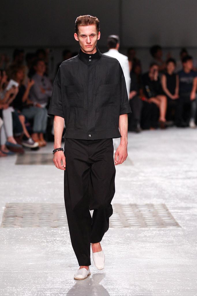 Dennis Jager3132_SS13 Paris Songzio(fashionising.com)