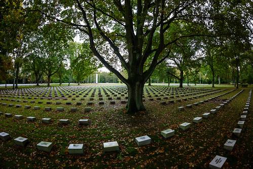 1110 - italian war cemetery