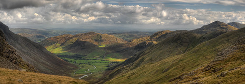 england panorama mountain geotagged nationalpark rocks lakedistrict cumbria views cumbriaway theband hdr ambleside windermere langdale elterwater photomix glaciation wrynosepass sidepike bowfell mickleden langdalepikes pikeoblisco dungeonghyll northwestengland littlelangdale chapelstile swirlhow greatlangdale lingmoorfell hdrpanorama wrynosefell stoolend langdalefell hdrlandscape glaciatedlandscape simplysuperb boblyp rossettgill blinkagain bestevercompetitiongroup geo:lat=5445549618070021 geo:lon=3156470875457785