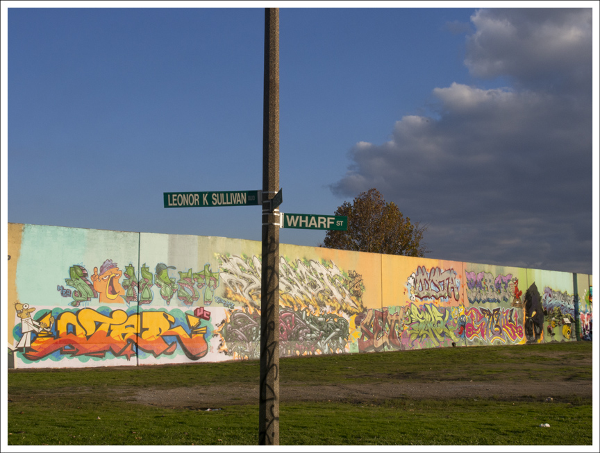 Floodwall 2012-10-28 2 (Wharf Street and Leonor Sullivan Blvd)