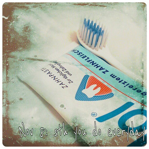 Nov 8: sth you do everyday: tooth brushing #fmsphotoaday #toothbrush