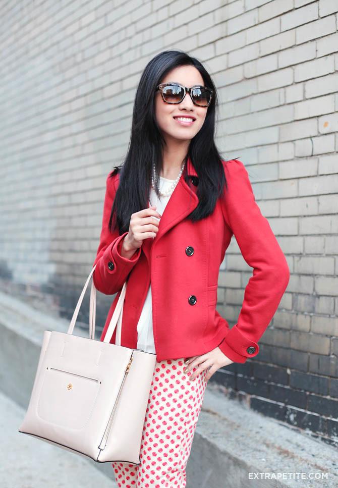 apple pants red coat