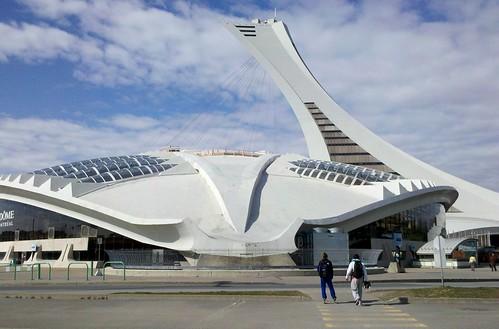 Biodôme et tour du stade olympique de Montréal