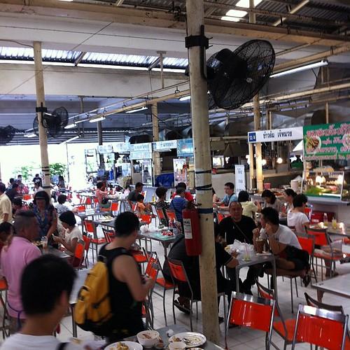 フードコートはずっと大にぎわい #Thailand