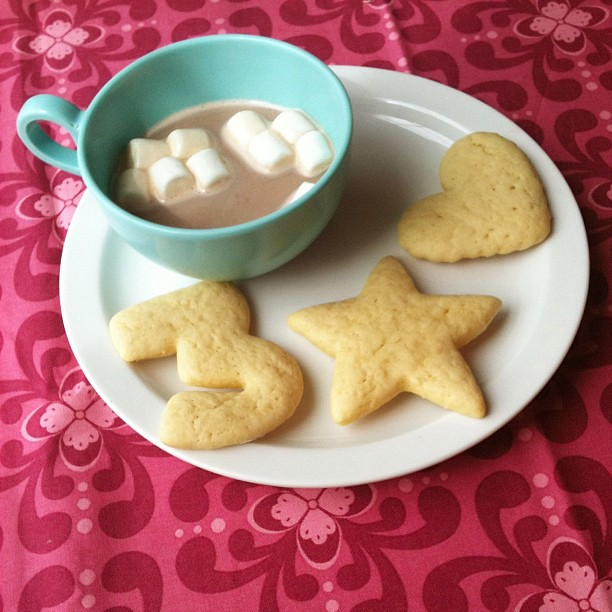 Sometimes being a good mom means giving her cookies and cocoa an hour before dinner. #thatswhatimtellingmyself