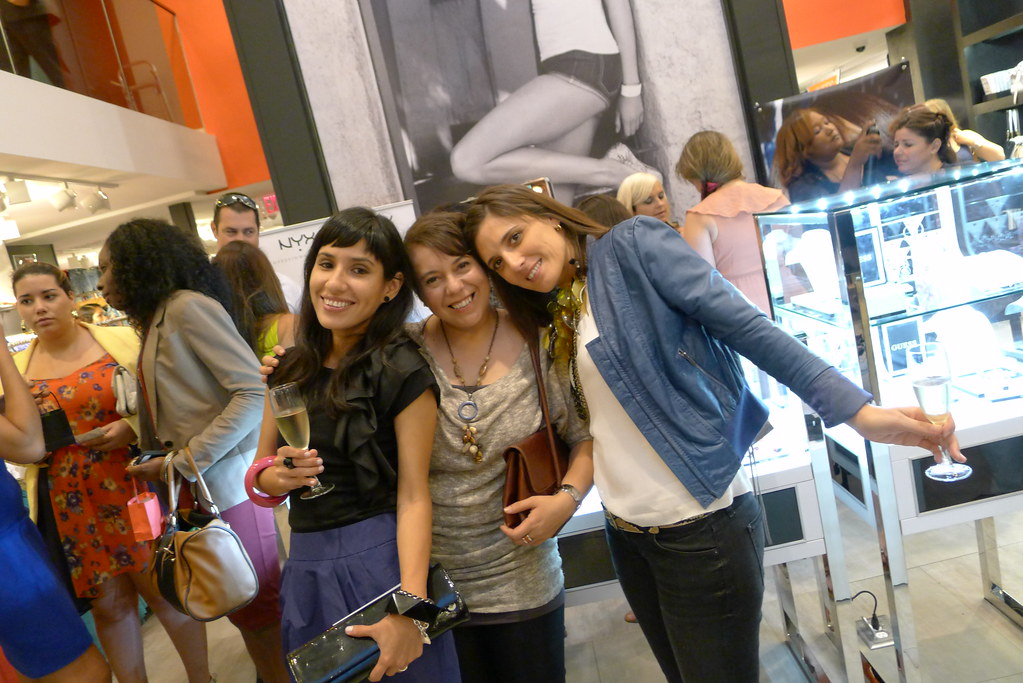 Paola, Carola and Julieta having fun at Guess Event 30 Sexy Years Event! 06cb7c06df94