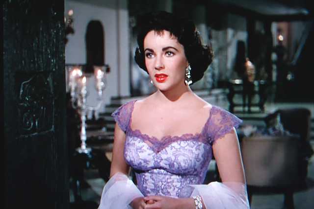 Movie Star Liz Taylor is Isolated, But Still in Fashion…