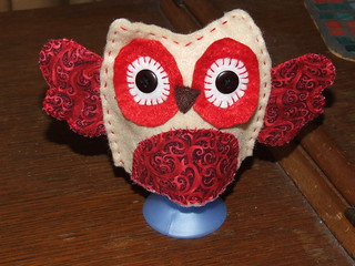 Red owl egg cover