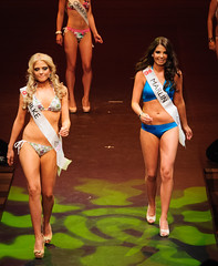 fitness and figure competition(0.0), bodybuilding(0.0), model(1.0), clothing(1.0), competition event(1.0), muscle(1.0), runway(1.0), fashion(1.0), fashion show(1.0), swimwear(1.0), bikini(1.0),
