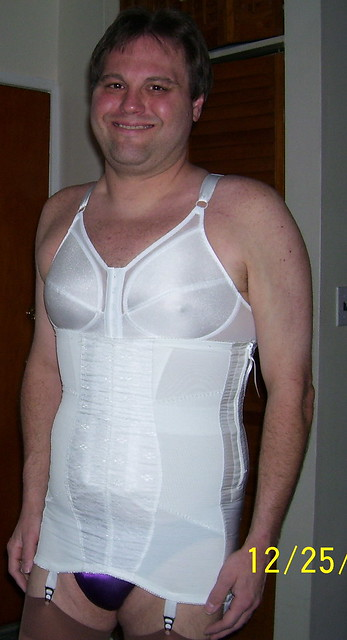 Open Bottom Girdles for Men http://www.flickr.com/photos/never_braless/7591946100/
