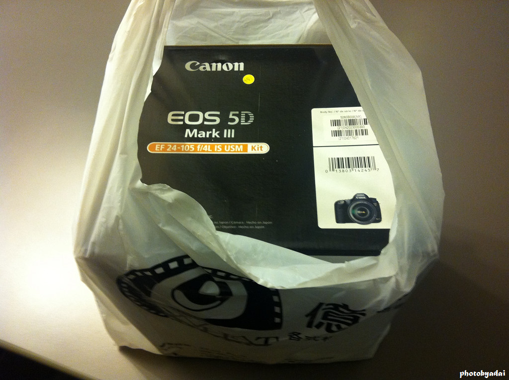 2012.7.21 Canon EOS 5D Mark III +24-105mm L Unboxing