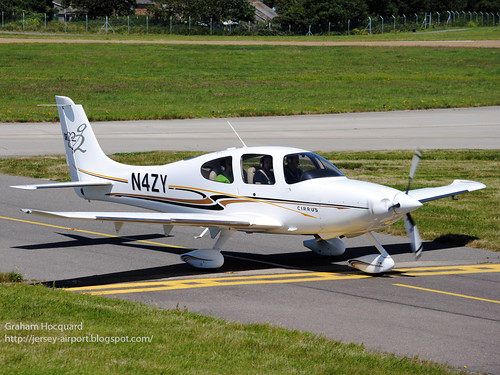 N4ZY Cirrus SR.22 by Jersey Airport Photography