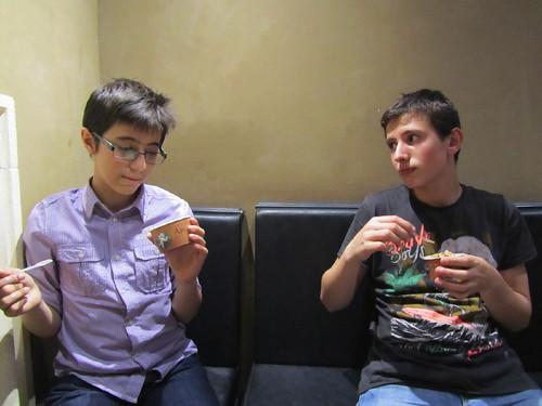 Comparando helados by JoseAngelGarciaLanda