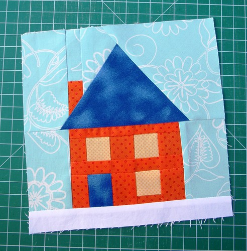Paper pieced quilt block - house