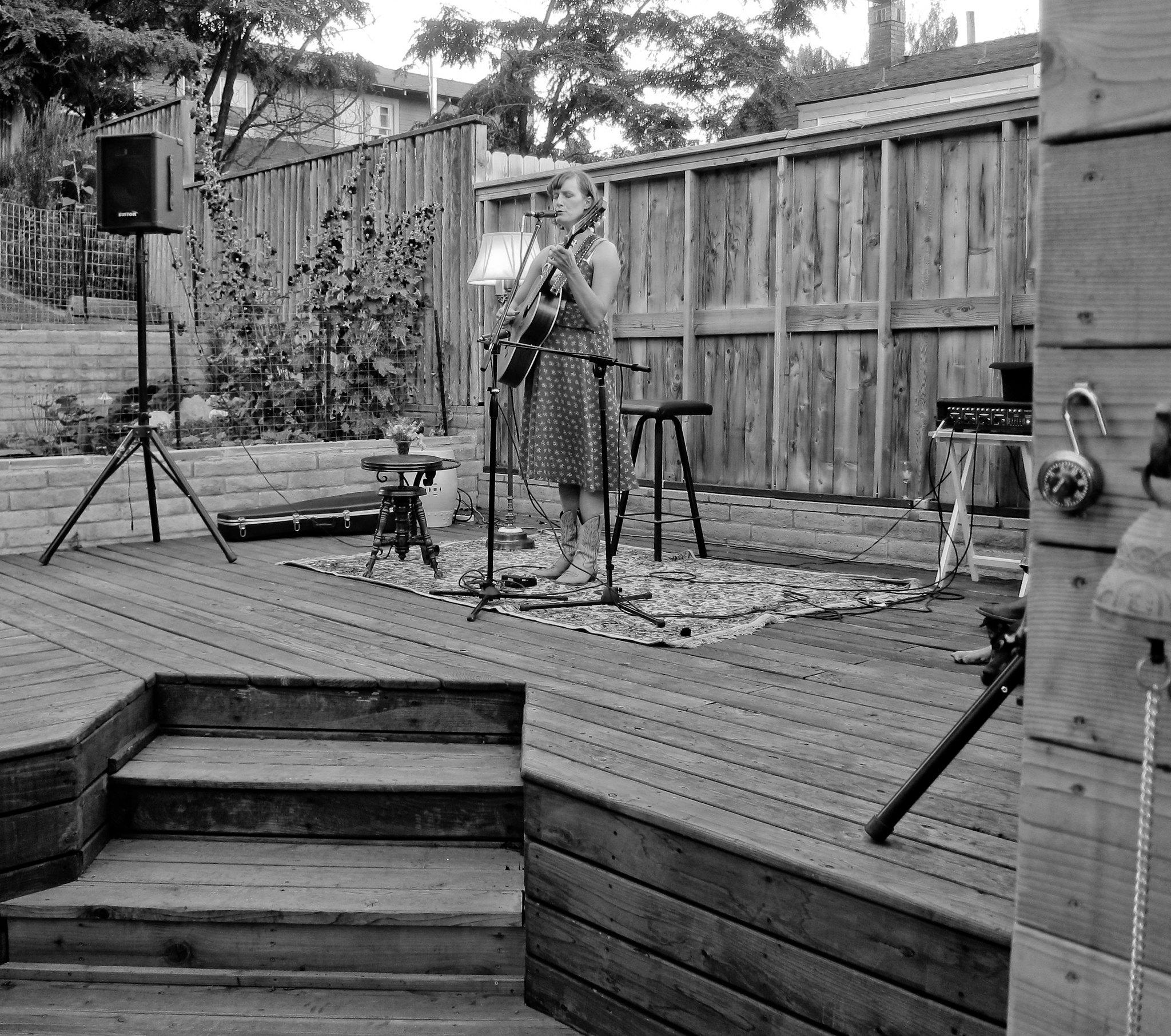 laura gibson backyard concert laura gibson an oregon sing