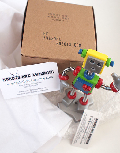 Making of: Packaging for the awesome robots by HerArtSheLoves