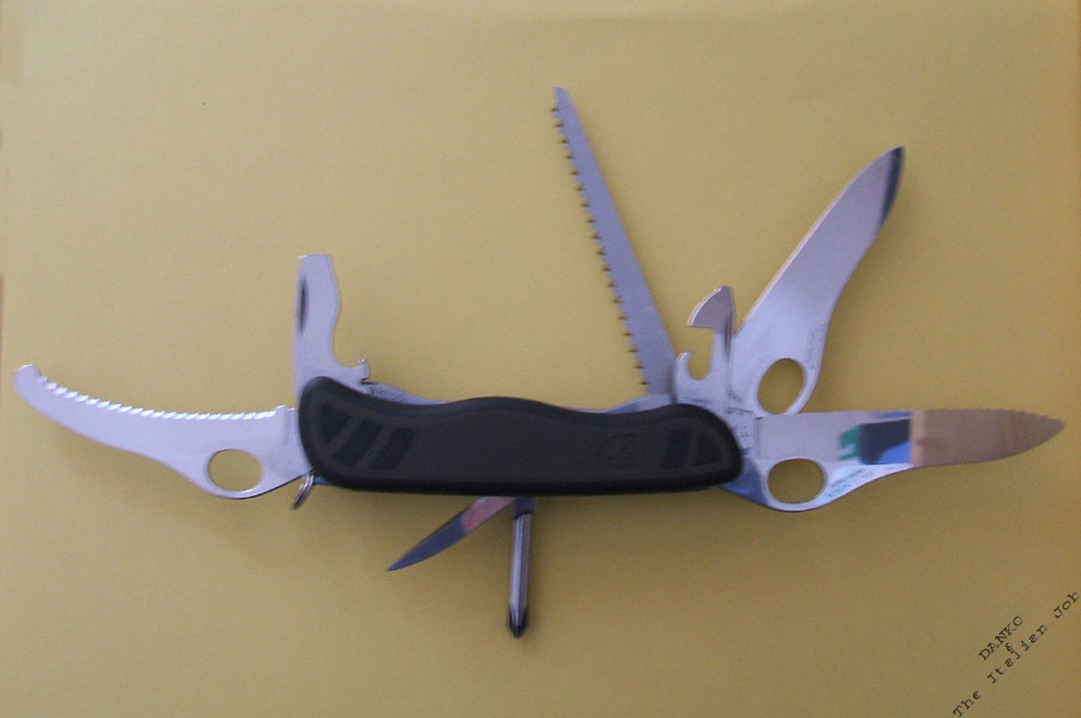 Custom Victorinox Swiss Army Soldier Knife Modification