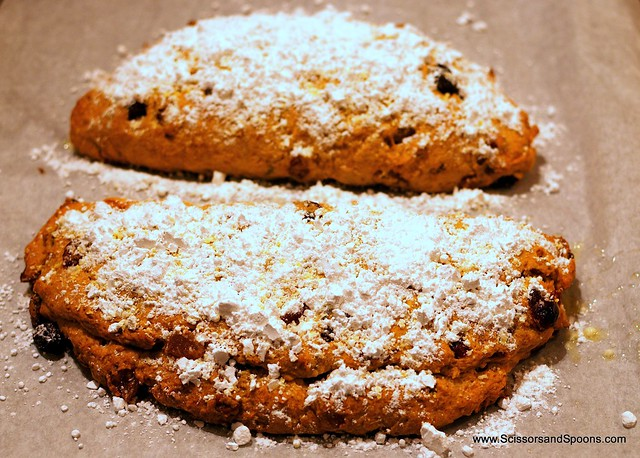 Pumpkin Bread with Powdered Sugar